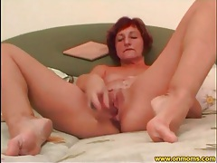 Mature takes toy from asshole to pussy tubes