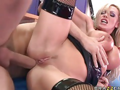 Kinky Nikki Benz fucked in the ass tubes