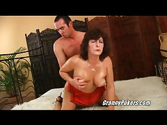 Her wet mature pussy is wicked hairy tubes
