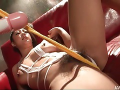 Her pussy squirts as she rubs it lustily tubes