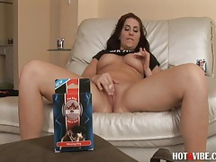 Horny Pornstar Fucks Her Shaved Pussy tubes