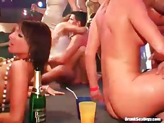 Champagne soaked ladies suck dick and get fucked tubes