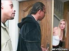 White girl invites black dudes in to fuck her tubes