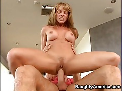 Fit body mom Shayla Laveaux rides his boner tubes