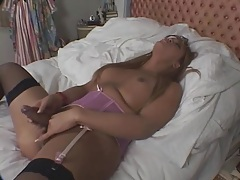 Toy up the ass of curvy masturbating shemale tubes