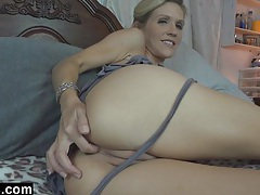 Mommy emy loves cum tubes