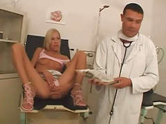 Doctor fingers patient pussy and fucks her tubes