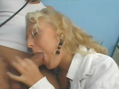 Blonde doctor has great sex and loves a facial tubes