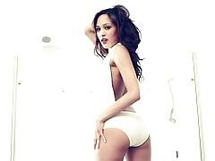 White lingerie shows cameltoe on lipstick girl tubes