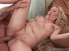 Creampie cumshot launched into shaved milf pussy tubes