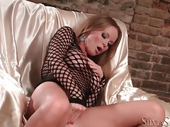 Pornstar silvia saint masturbates in high heels tubes