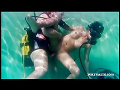 Underwater fucking of sexy girl in scuba mask tubes