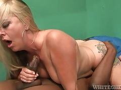 Interracial hairy cunt hardcore sex with curvy blonde tubes