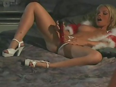 Fuzzy red lingerie on a gorgeous blonde sucking dick tubes