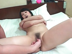 Toy up her cunt as dildo vibrates her hole tubes