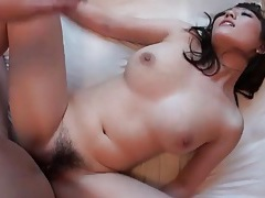 Big boobs babe bouncing on his hard dick tubes