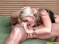 Sexy blonde slut with tight body rides a cock tubes