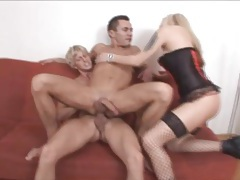 He sits on a dick while a hottie sucks his cock tubes