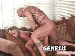 Fucking a gorgeous shaved pussy blonde and cumming tubes