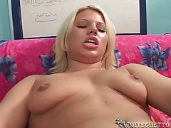 Combing her pussy hair and eating her out tubes