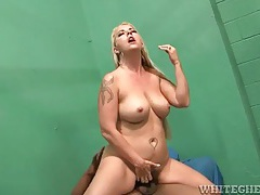 Interracial jail cell sex with curvy milf tubes