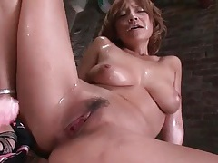 Cumshot across the face of a japanese slut tubes