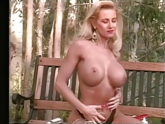 Solo girl with fit body and fake tits in a hot video tubes