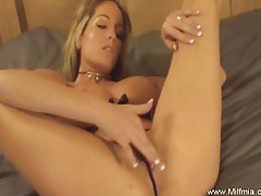 Blonde milf cums and cums tubes