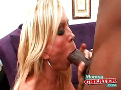 Bimbo mom wraps hot lips around a big black cock tubes
