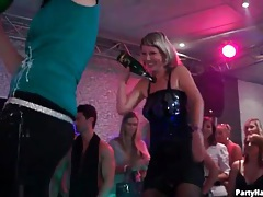 Watch club girls dancing and see one suck a cock tubes