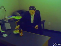 Office chick plays with pussy instead of eating tubes