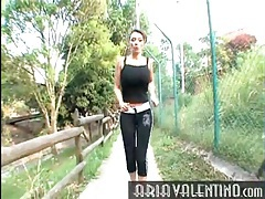 Fit girl with big tits goes for a jog tubes
