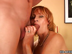 Hairy mature laid in pussy and taking facial tubes