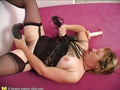 Black lingerie is lovely on masturbating mature tubes