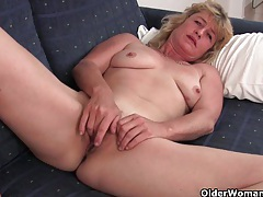 Fuckable grandma spreads her old pussy wide tubes