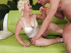 Mature wears white lingerie and gets licked tubes