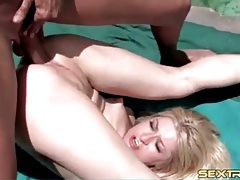 Blonde anal whore banged outdoors to cumshot tubes