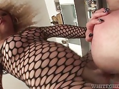 Shemale fucks gorgeous long cock into him tubes