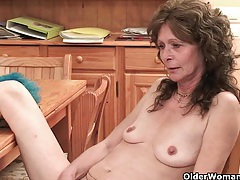 Saggy granny with hairy pussy finger fucks tubes