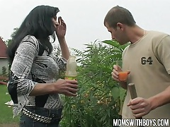 Hot euro mom gives the gardener a little extra for his work tubes
