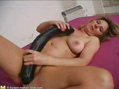 Huge black toy fucks pussy of older babe tubes