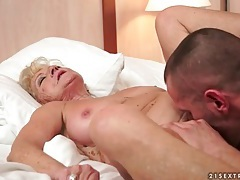 Granny has a hairy cunt that needs licking tubes