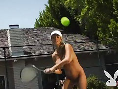Sporty women get naked on the tennis court tubes