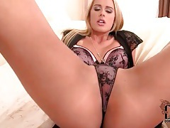 Blonde with great ass in thong is sexy tubes