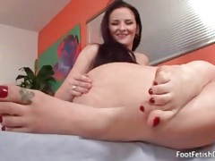 Curvy girl models and licks her sexy feet tubes