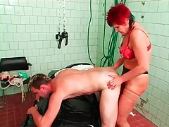 Mature nurse strapon fucks and fists a guy tubes