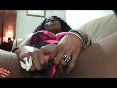 Black fat girl in pink lingerie buzzes her vagina tubes
