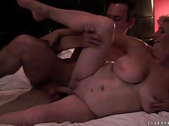 Curvy mature moans for pussy eating and sex tubes