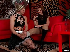 Sexy sissy maid dances for his ladies tubes