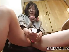 Hairy mommy pussy fucked by hard dick tubes